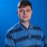 Зарубин Олег Юлиевич, заведующий отделом духовых и ударных инструментов